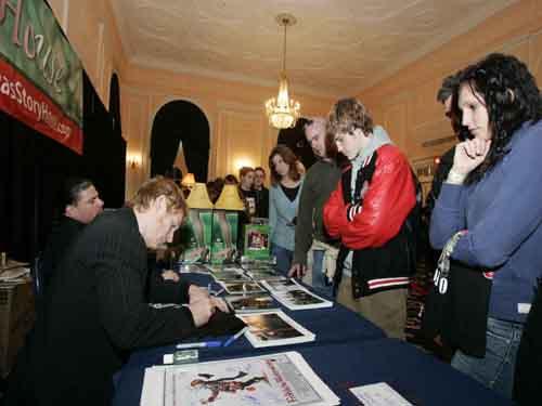 Zack Ward and Yano Anaya signing autographs